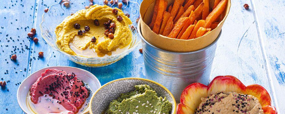Batátové hranolky s barevným hummusem